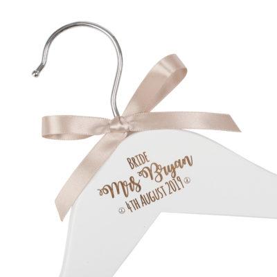 Jajo Crystal Engraved hanger JESWH17